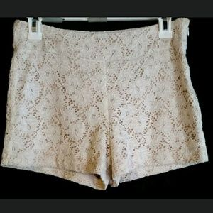 🆕 Romeo & Juliet Couture lace shorts Ivory