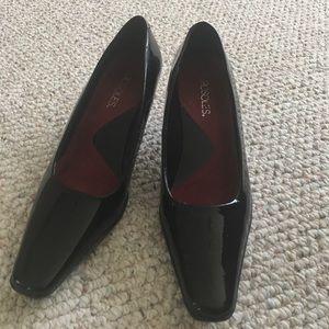 Aerosols heels