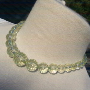 Jewelry - Pale green graduated faceted acrylic bead necklace