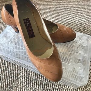 Shoes - Vintage eel skin pumps 👠