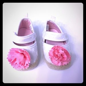 Other - White Eyelet Shoes with Pink Flower Size 3