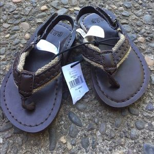 🐠Baby gap brown faux ankle strap flip flops