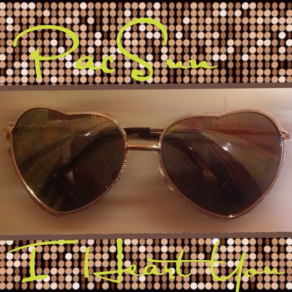 2086e287adcd8 🆕PacSun Heart Shaped Sunglasses