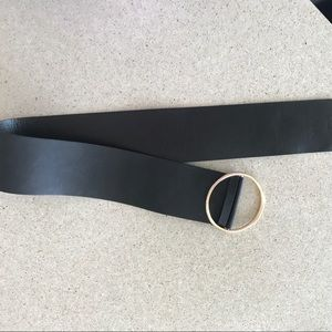 Accessories - Black faux leather loop belt Brand new