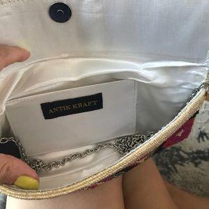 Antik Kraft Bags - Beaded clutch