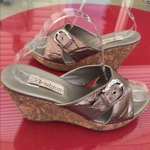 Brighton bronze leather sandals size 7.5