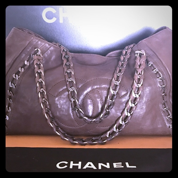 0a676dbc4605c3 CHANEL Handbags - SALE Gorgeous Authentic XL Chanel modern chain bag
