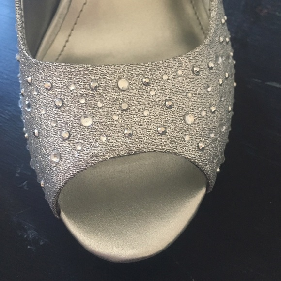 49 off style amp co shoes nwot silver sparkly open toed