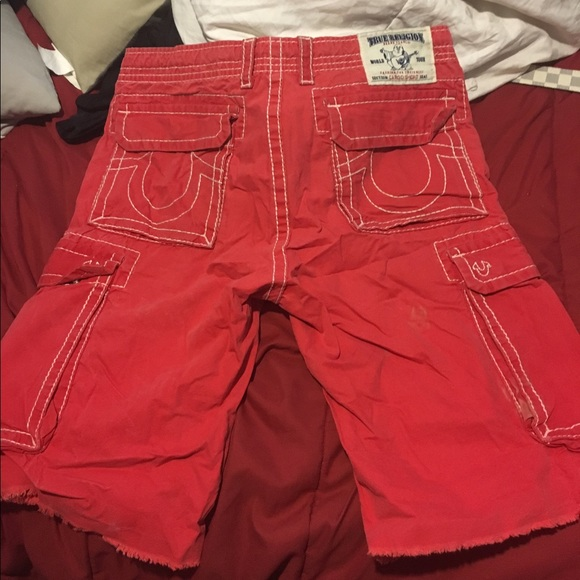 4c56a17ea4 Authentic True religion red cargo shorts size 33. M_596158555a49d0236804d3aa