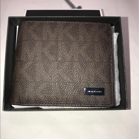 c2cc16e19418 Michael Kors Bags | Jet Set Signature Mens Billfold Id Pass Case ...