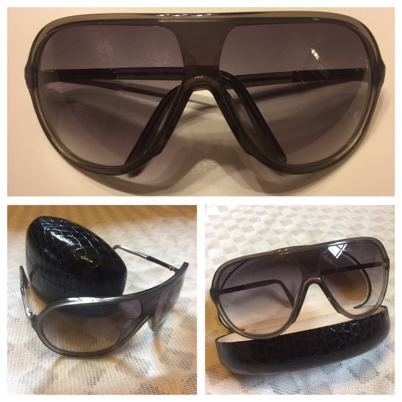 7e49eb9072 Pre-owned Authentic Giorgio Armani Sunglasses 😎