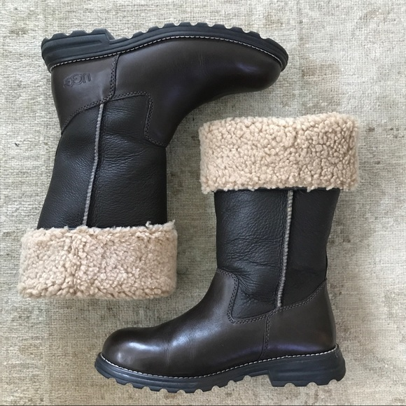 1b0ee555b7f Brooks Tall Ugg boots, size 7, brown
