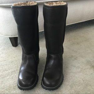 c6a0a3e414d Brooks Tall Ugg boots, size 7, brown