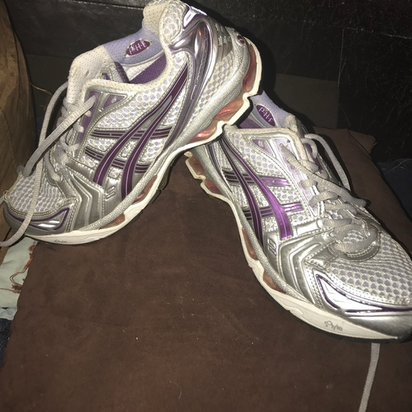 Woman's Asics Gel Kayano 14 Athletic Shoes 7.5