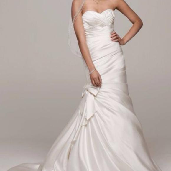 David's Bridal Dresses & Skirts - New Mermaid Sweetheart Satin Ivory Wedding Gown