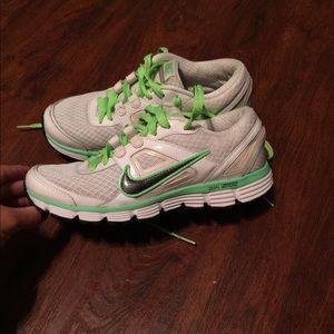 Nike Dual Fusion ST