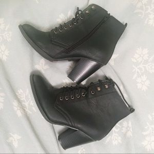 Shoes - Stylish combat boots with heel 💕