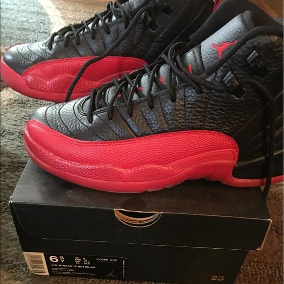 Air Jordan boys size 6.5