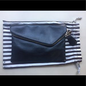 Cute AUTHENTIC Hendri Bendel Black Clutch