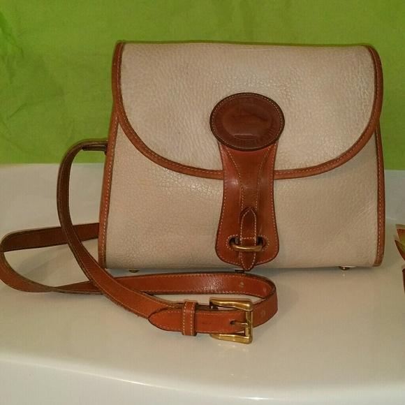Authentic Vintage Dooney \u0026 Bourke Essex bag