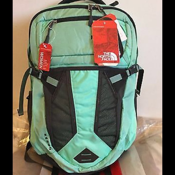 NWT The North Face Women s Recon Backpack eafde56d2