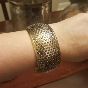 Jewelry - HEART BANGLE