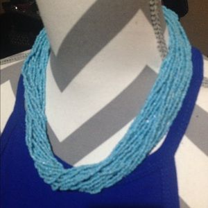 Gorgeous turquoise color beaded necklace !