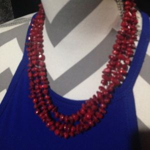 Gorgeous coral necklace !