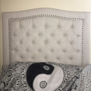 Stand Alone Studded Headboard (bed size: full)