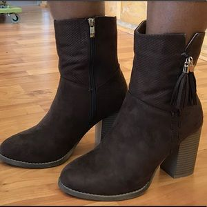 Shoes - ❤️❤️SALE❤️❤️Addison Suede Booties - Brown