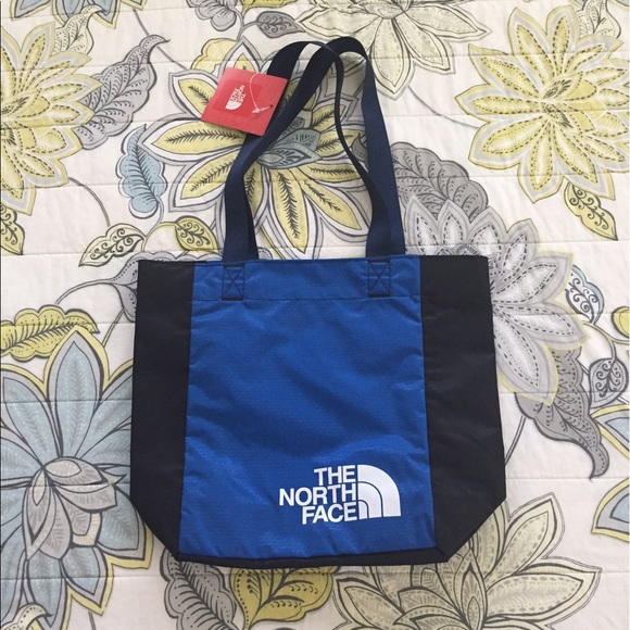 8097af667 FINAL -NWT The North Face Loop Tote RTO Multicolor NWT