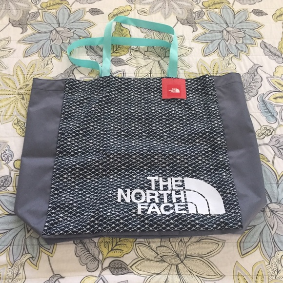 6cc659244 FINAL - NWT The North Face Large Loop Tote RTO. NWT