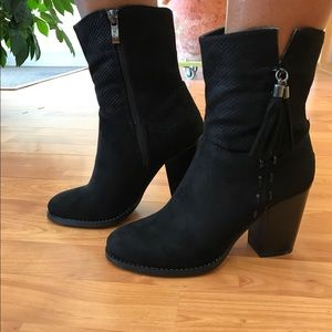 Shoes - 🔥🔥Addison Suede Booties -- Black🔥🔥