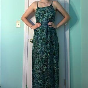 Dresses & Skirts - Green Vine Maxi Dress