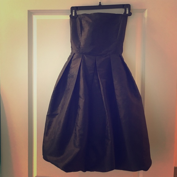 LF Dresses & Skirts - LF black strapless dress with adorable bow! 🎀