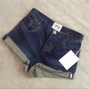 NWT One Teaspoon Clean Bad Seed Hawks Shorts