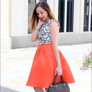 Dresses & Skirts - Gorgeous fit & flare dress with crochet bodice