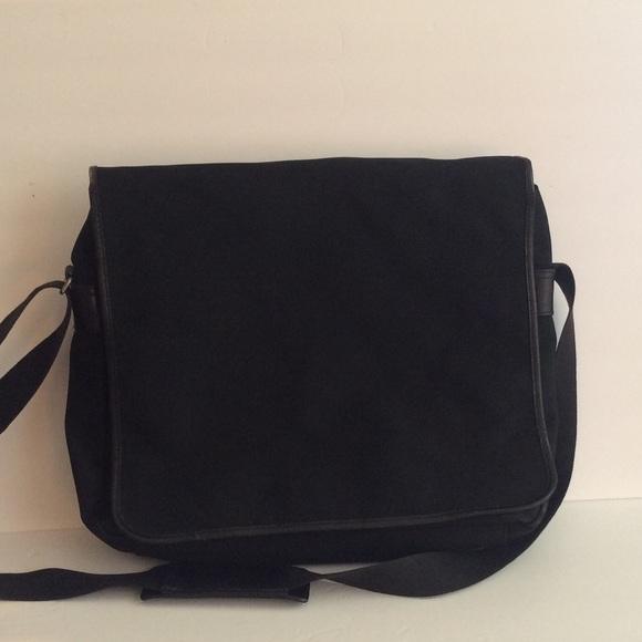 Banana Republic Bags   Messenger Bag   Poshmark e267d2ce77