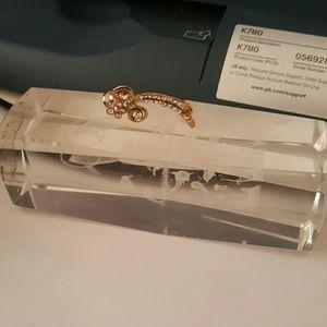 Jewelry - pierced loop ear cuff new item
