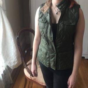 Banana Republic Quilted Flap Pocket Vest