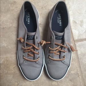 Sperry Top-sided Slip ons