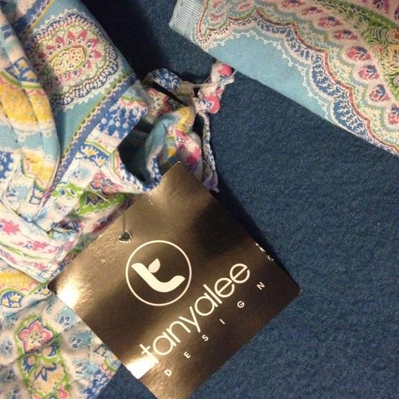 33 Off Tanya Lee Handbags Tanya Lee Design Backpack