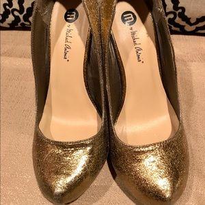 Michael Antonio Gold Glittery Pumps