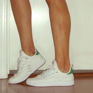 Adidas Tennis Hu x Pharrell Williams Sneakers sz 7