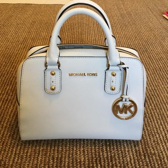 bf6146918e0f ... discount small white michael kors purse great condition 2b98d 416c7