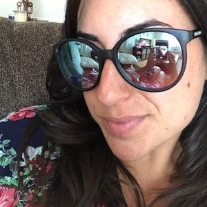 SALE! Vince Camuto Sunglasses w. Polarized Lens