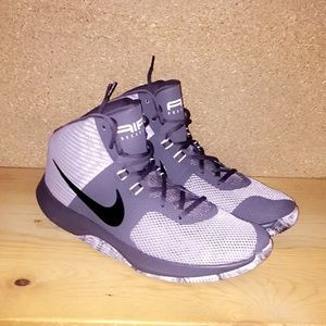Men's Nike high top basketball shoes