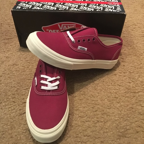 4b9b9da24162 Authentic Slim Twill Vans