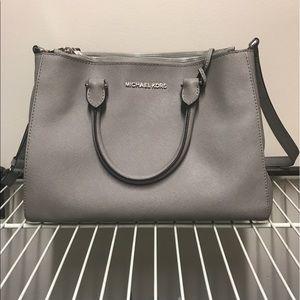 Handbags - Tote