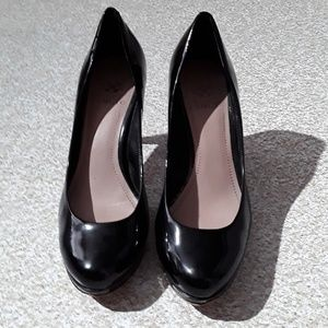 """Vince Camuto black patent leather 3"""" heels size 8"""